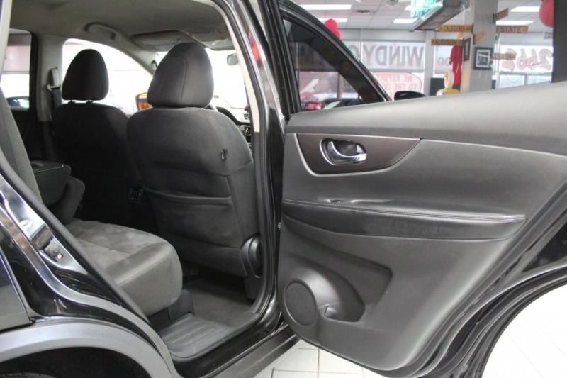 Nissan Rogue 2016 price $14,850