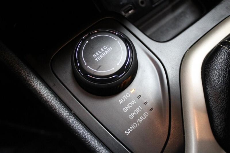 Jeep Cherokee 2016 price $11,995
