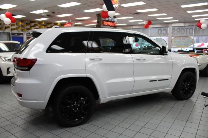 Jeep Grand Cherokee 2017 price $27,850