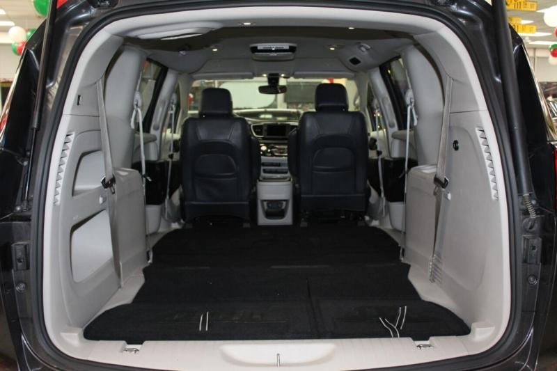 Chrysler Pacifica 2018 price $23,950
