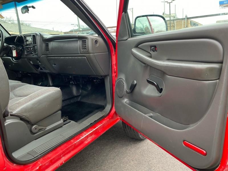 GMC Sierra 2500HD 2005 price $9,850