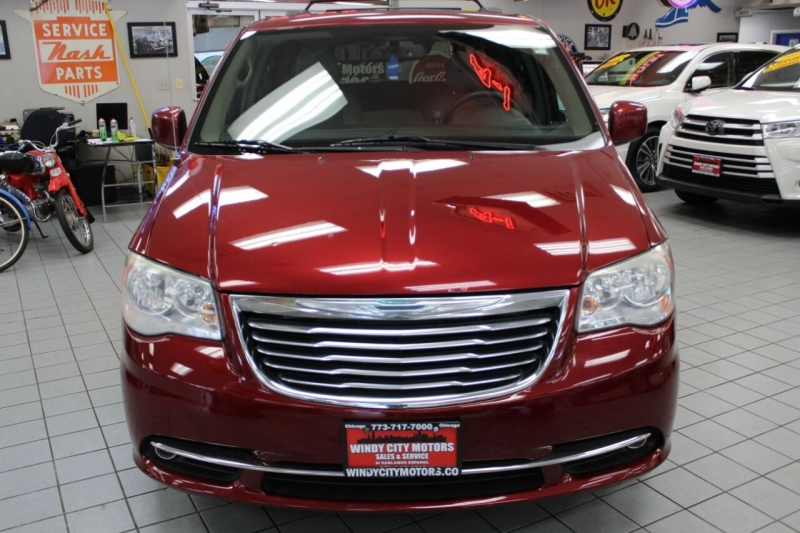 Chrysler Town and Country 2014 price $10,995