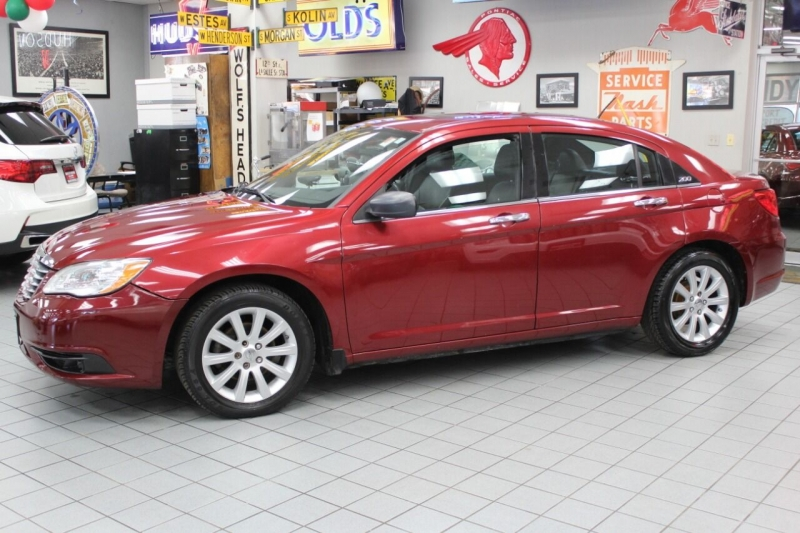 Chrysler 200 2013 price $9,850