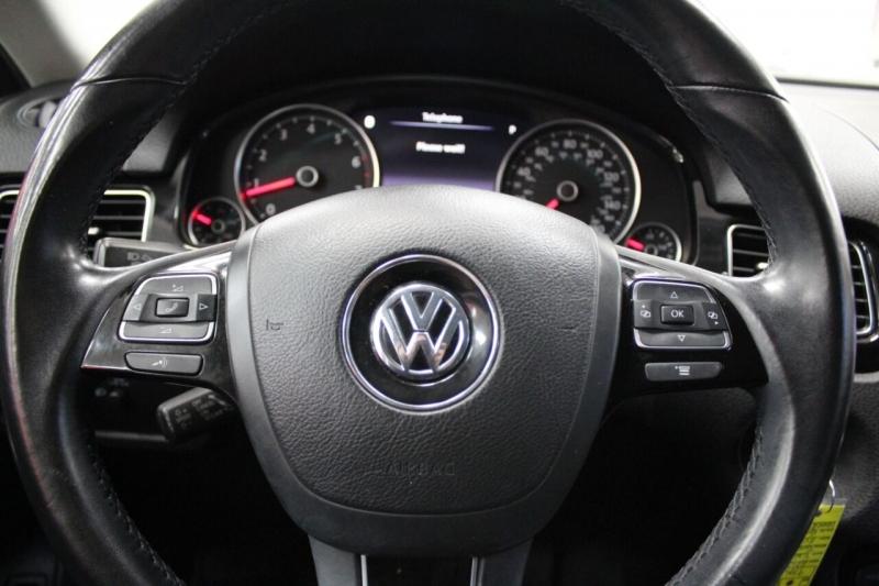 Volkswagen Touareg 2013 price $14,850