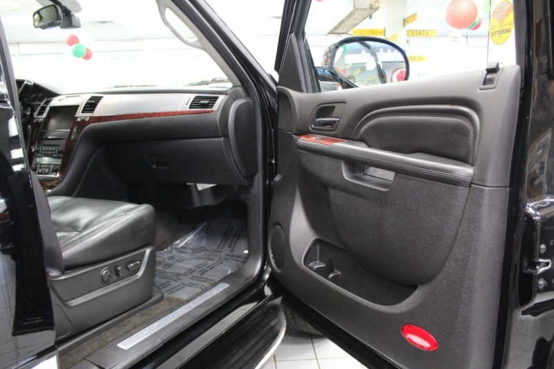 Cadillac Escalade 2011 price $25,850