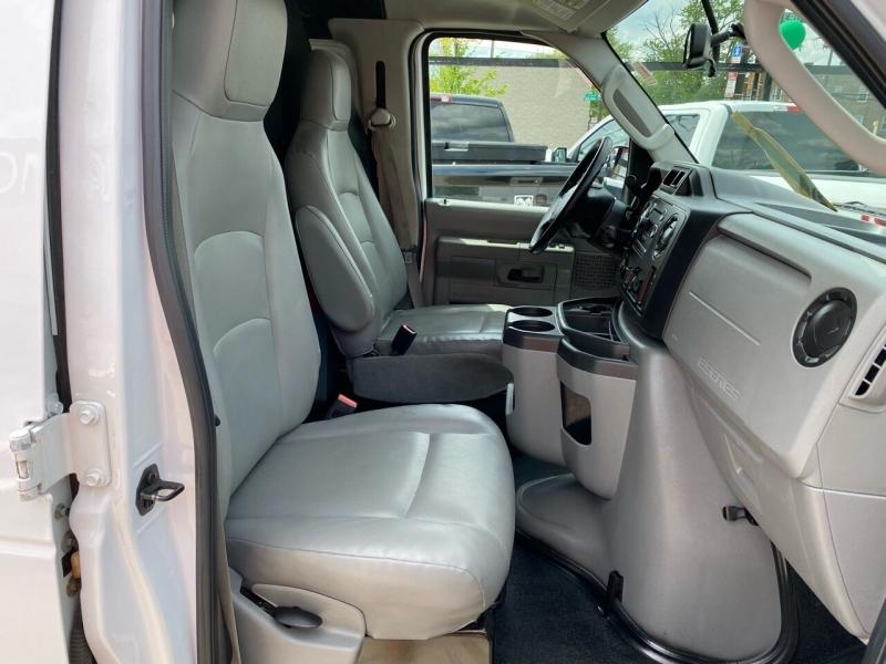 Ford E-Series Cargo 2014 price $17,950