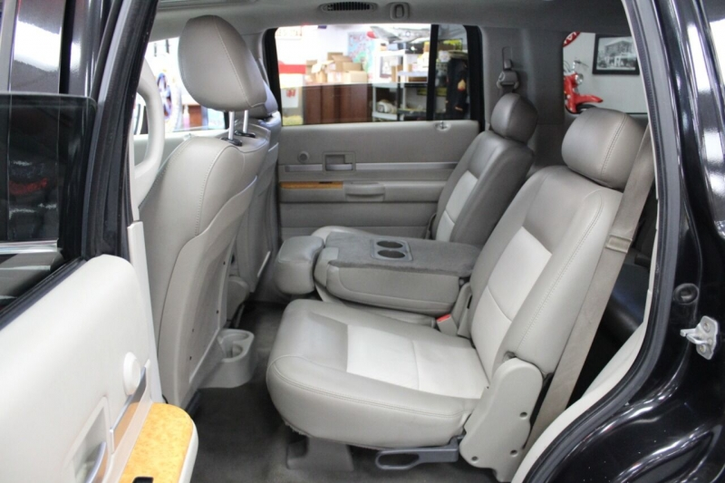 Chrysler Aspen 2008 price $9,850