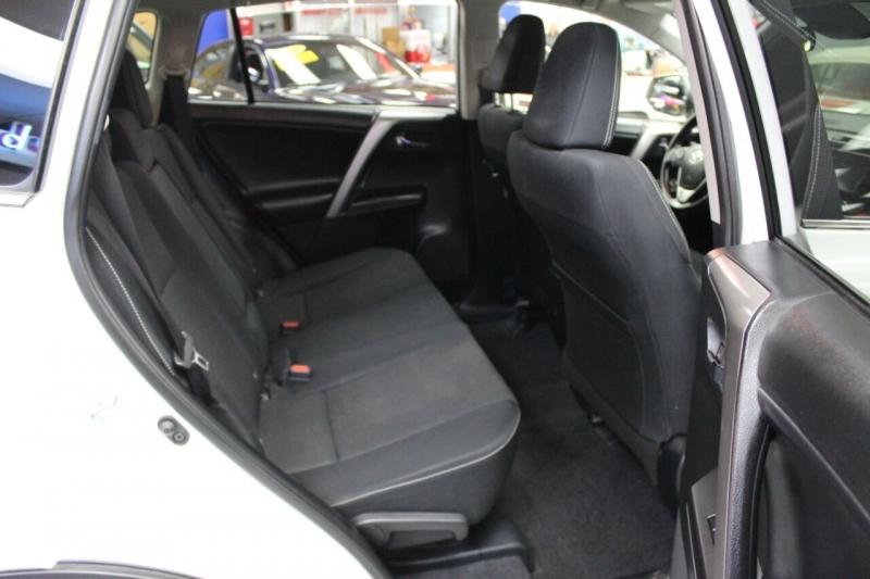 Toyota RAV4 2018 price $23,950