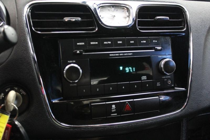 Chrysler 200 2012 price $10,995