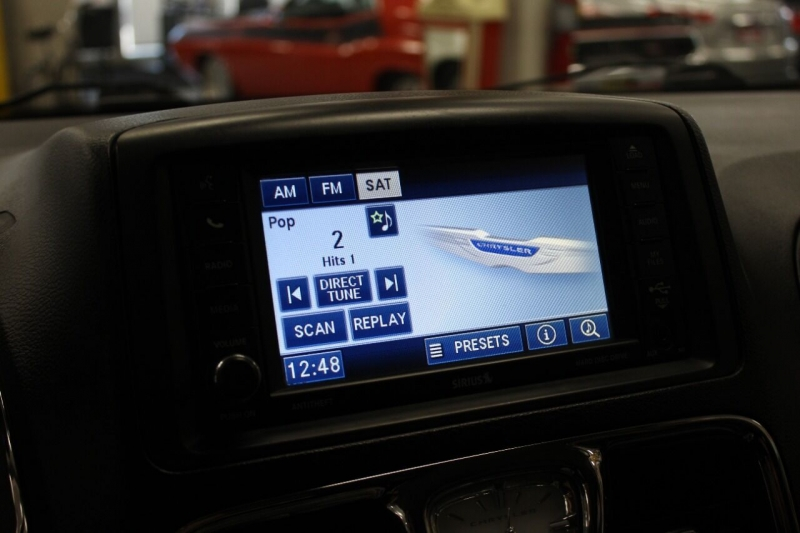Chrysler Town and Country 2012 price $11,850