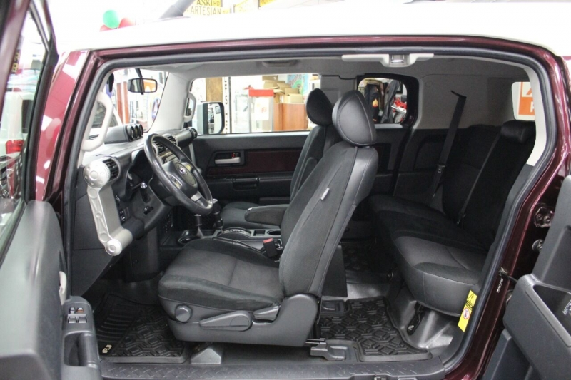 Toyota FJ Cruiser 2007 price Call for Pricing.