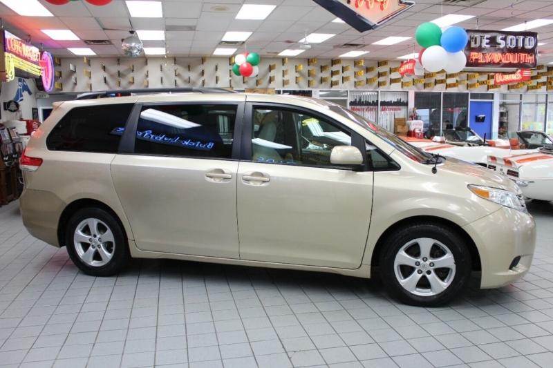 Toyota Sienna 2012 price $14,850