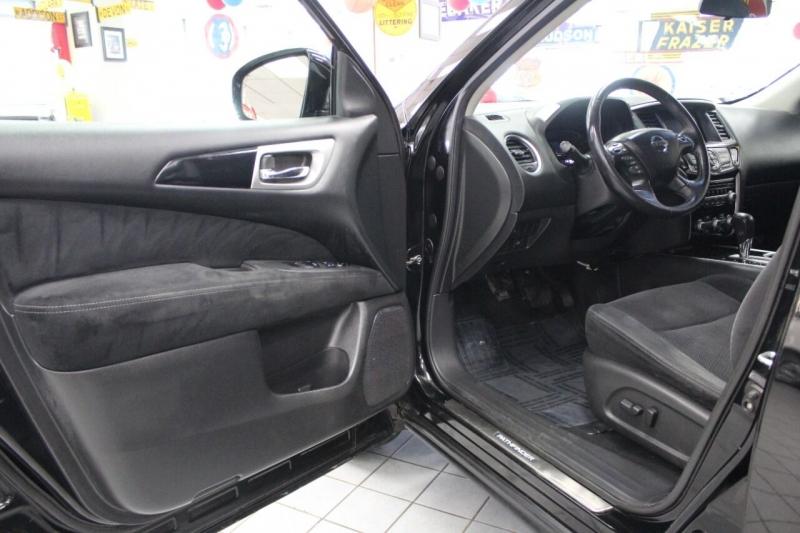 Nissan Pathfinder 2013 price $15,950
