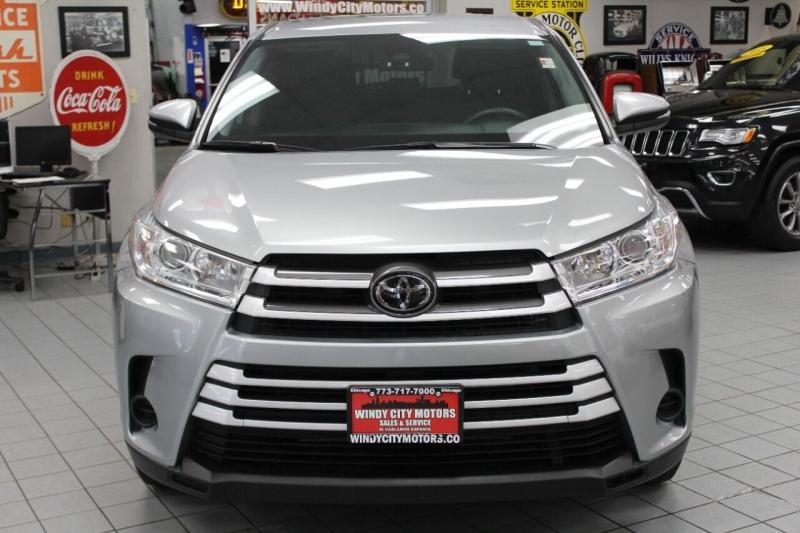 Toyota Highlander 2019 price $33,950