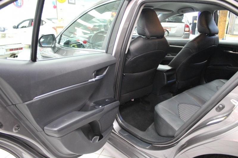 Toyota Camry 2018 price $23,850