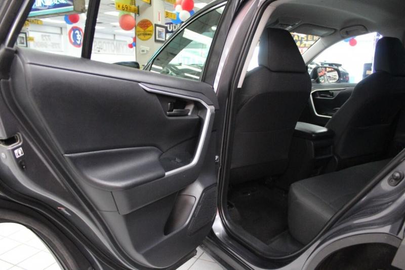 Toyota RAV4 2019 price $29,950