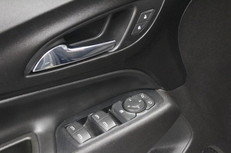 Chevrolet Equinox 2018 price $23,950