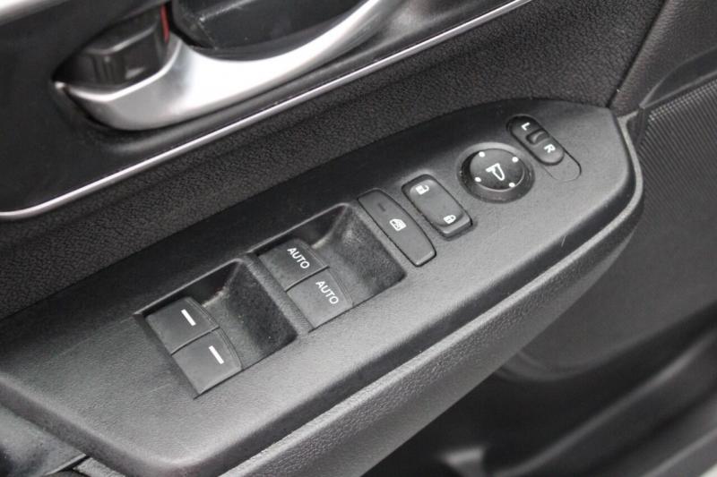 Honda CR-V 2017 price $29,950