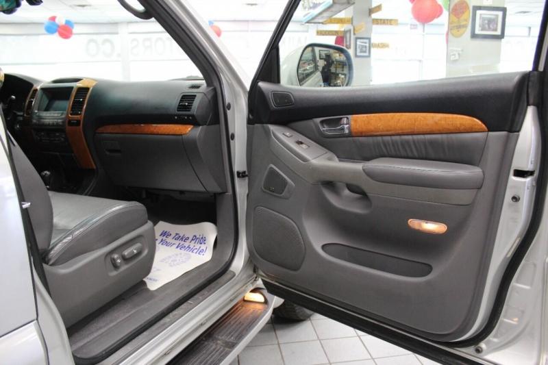Lexus GX 470 2004 price $12,850
