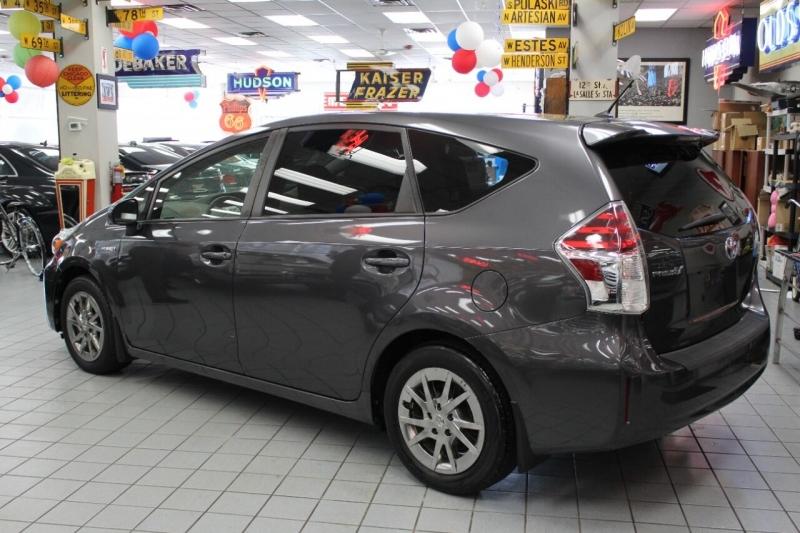 Toyota Prius v 2017 price $19,995