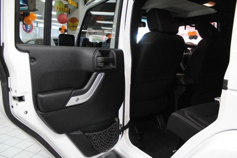 Jeep Wrangler Unlimited 2013 price $28,850