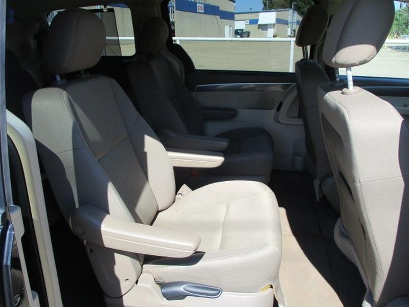 Volkswagen Routan 2009 price $4,495 Cash