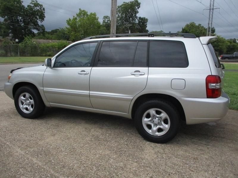 Toyota Highlander 2004 price $4,995 Cash