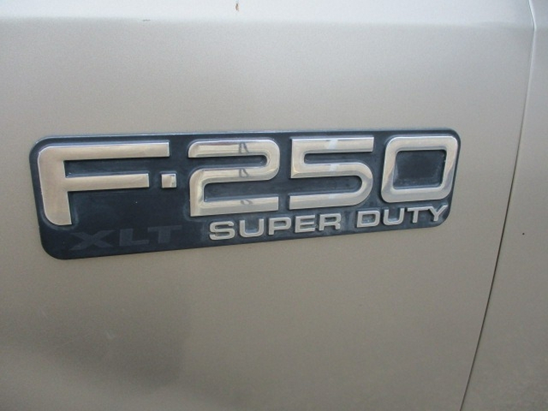 Ford Super Duty F-250 2002 price $5,995 Cash