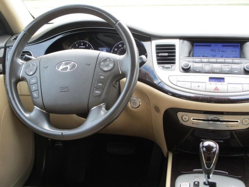 Hyundai Genesis 2011 price $5,995 Cash