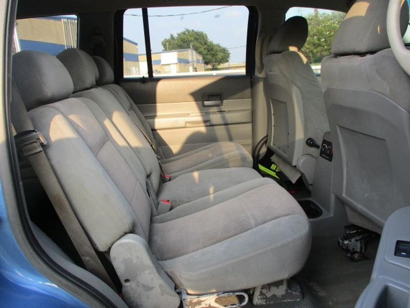 Dodge Durango 2006 price $3,995 Cash