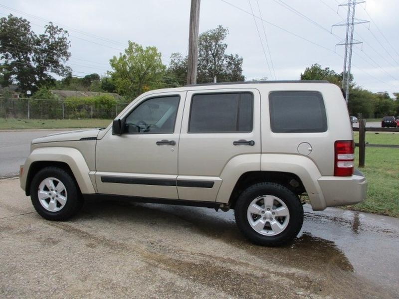 Jeep Liberty 2010 price $5,495 Cash