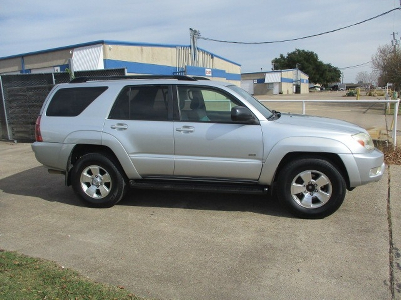 Toyota 4Runner 2005 price $6,495 Cash