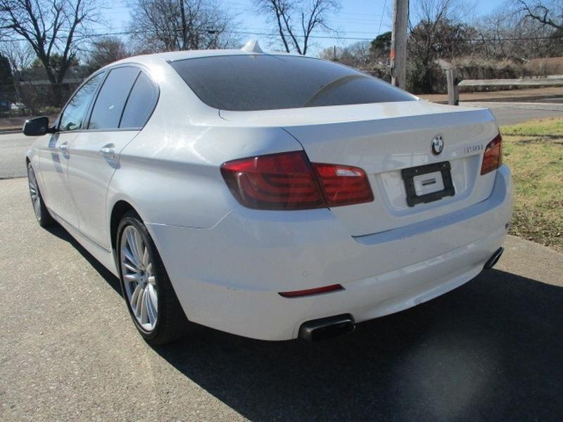 BMW 5-Series 2011 price $9,950 Cash