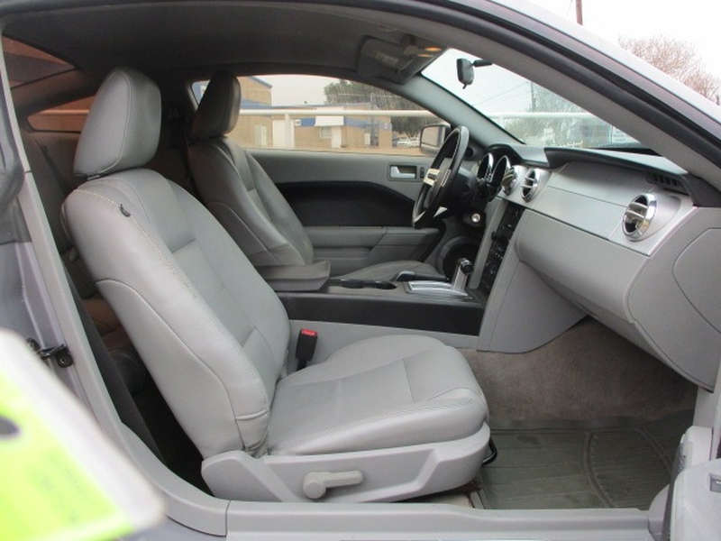 Ford Mustang 2007 price $4,995 Cash