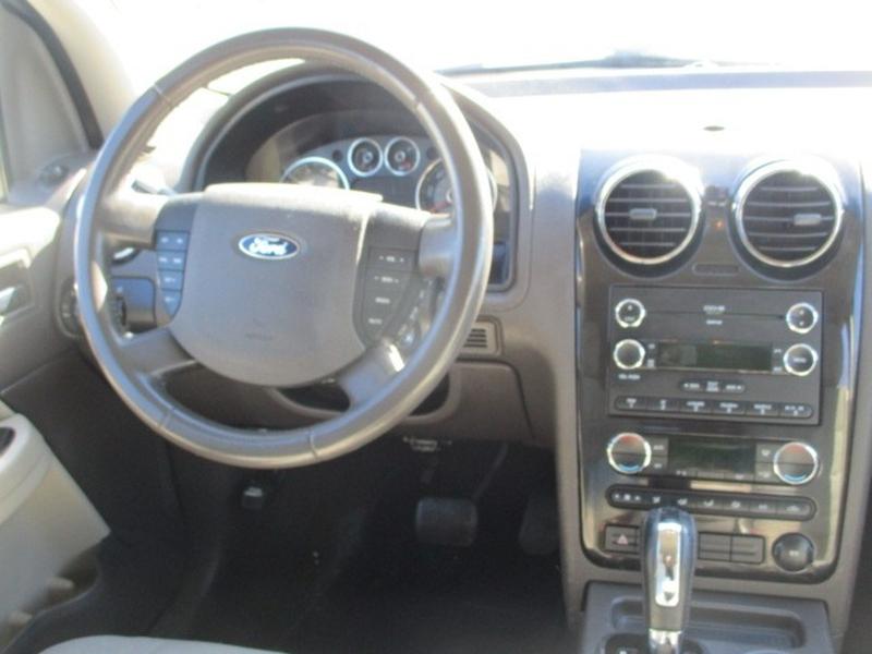 Ford Taurus X 2008 price $3,995 Cash