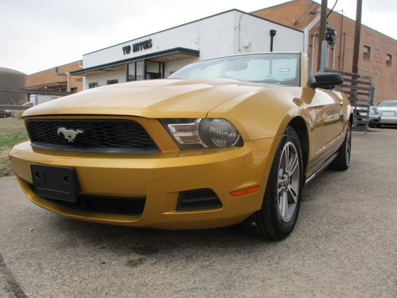 Ford Mustang 2010 price $6,995 Cash