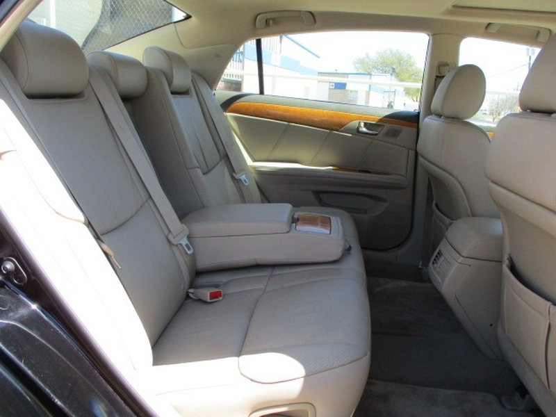 Toyota Avalon 2006 price $6,495 Cash