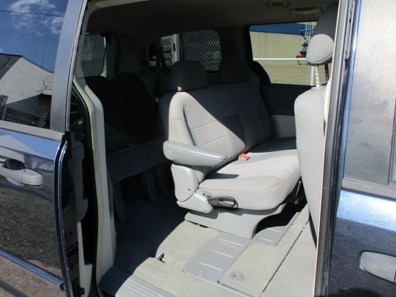 Chrysler Town & Country 2008 price $5,995 Cash