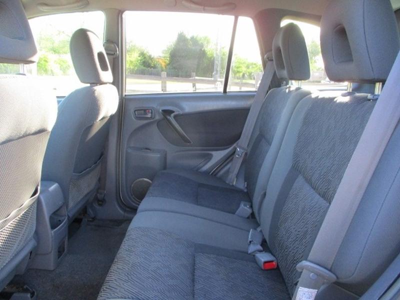 Toyota RAV4 2002 price $4,495 Cash