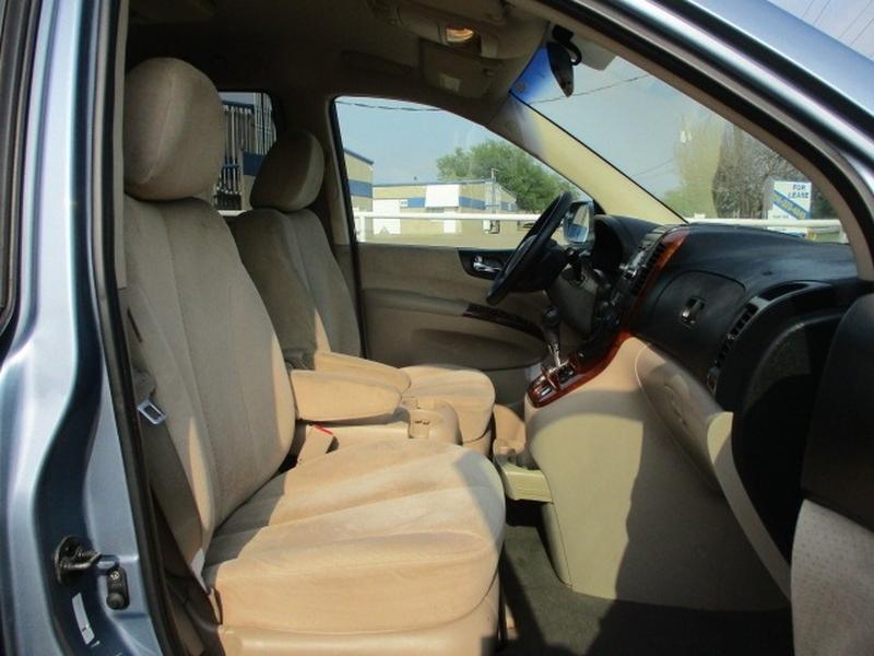 Hyundai Entourage 2008 price $4,995 Cash