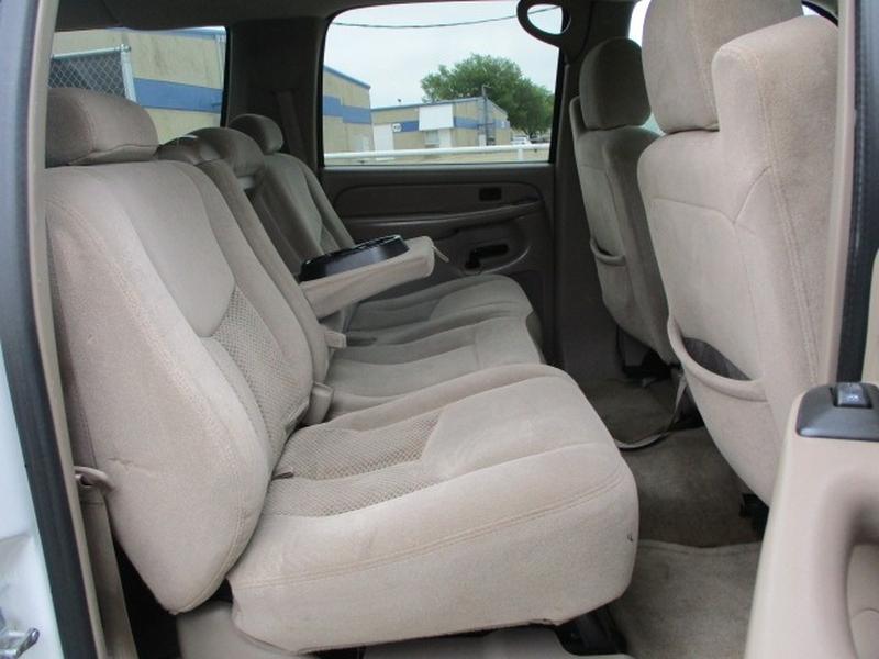 Chevrolet Suburban 2004 price $6,495 Cash