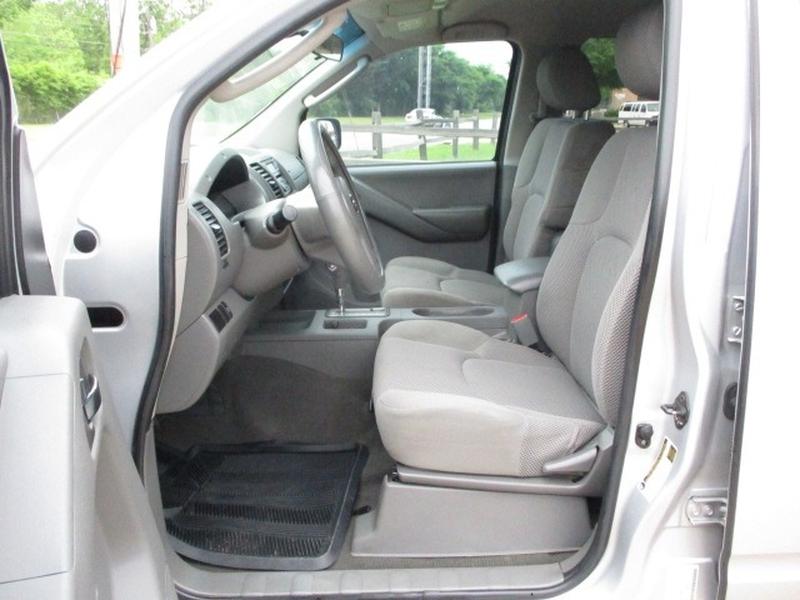 Nissan Frontier 2006 price $7,995 Cash