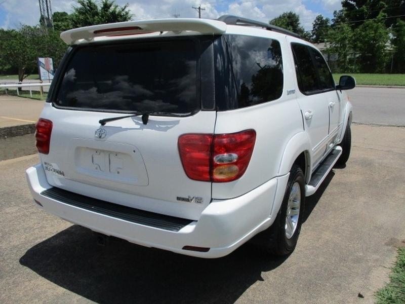 Toyota Sequoia 2004 price $6,495 Cash