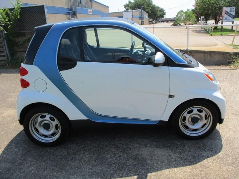Smart fortwo 2014 price $5,995 Cash