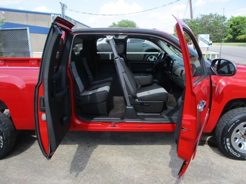 Chevrolet Silverado 1500 2009 price $7,995 Cash