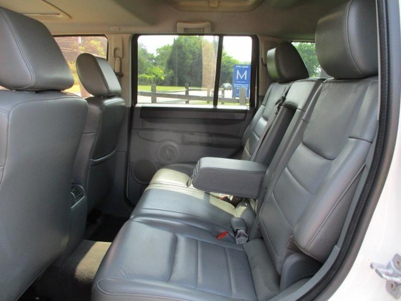 Jeep Commander 2007 price $5,995 Cash