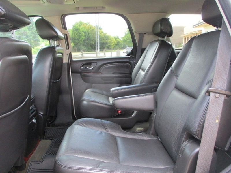 Cadillac Escalade 2007 price $8,495 Cash