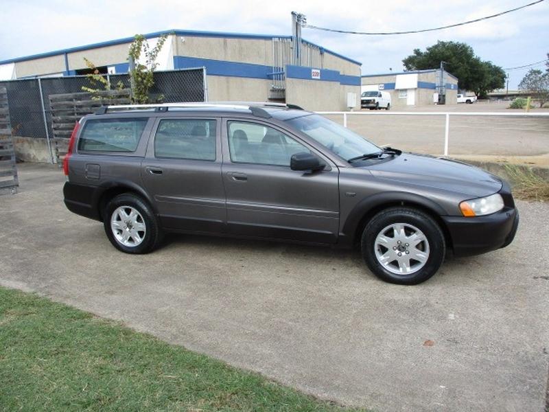 Volvo XC70 2005 price $5,495 Cash