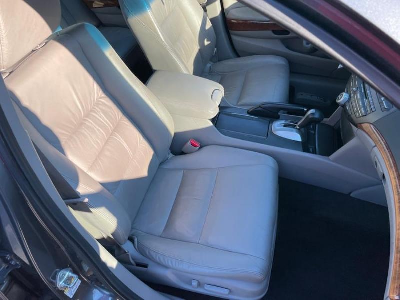 Honda Accord Sdn 2012 price $9,998