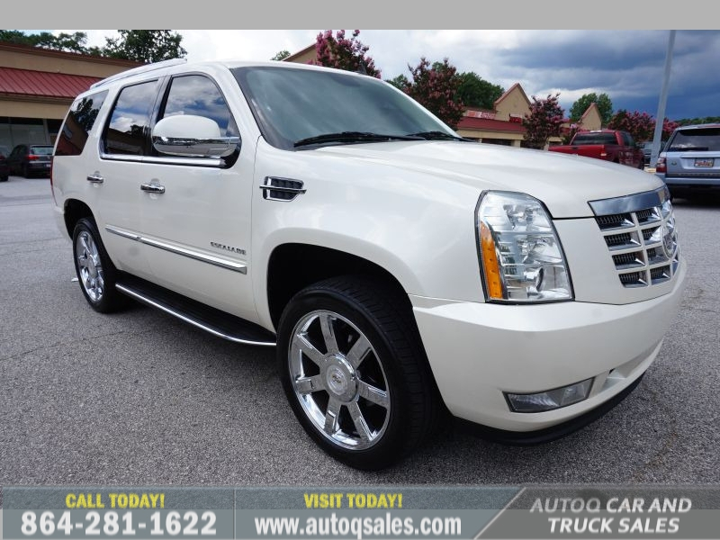 Cadillac Escalade 2011 price $17,991